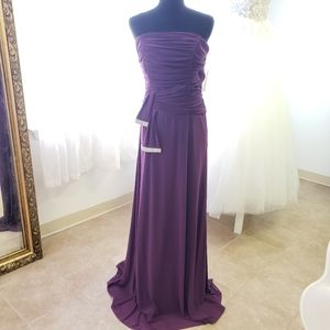 New Eggplant Purple Strapless Jersey Large Gown